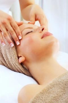 Masajul-facial-un-mijloc-ieftin-de-a-mentine-frumusetea-tenului - tonifiere, revitalizare, relaxare